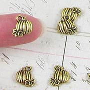 10mm Antique Gold Pumpkin Charms*